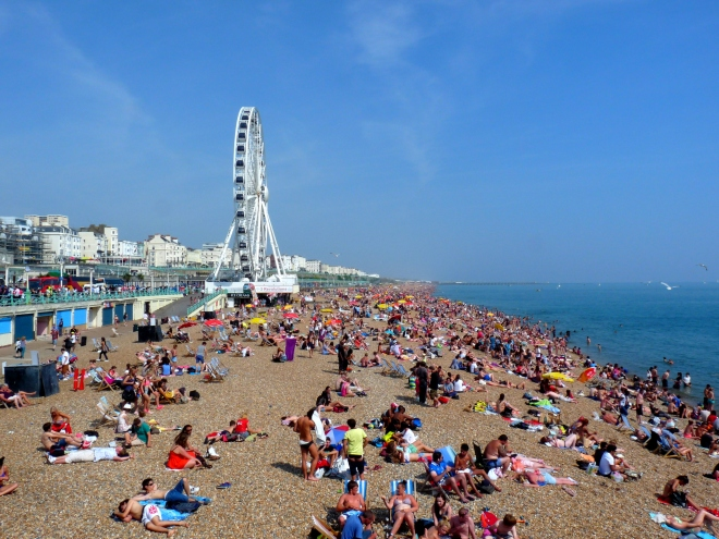 Brighton busy beach